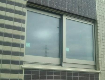 窓枠の取付け工事